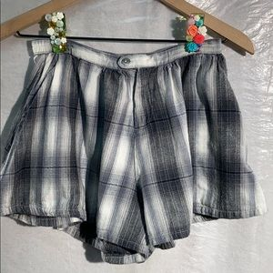 ⭐️3/$10⭐️⭐️Gypsy warrior grey flannel shorts